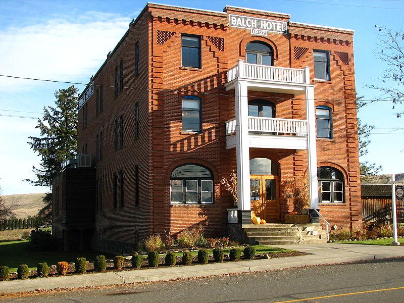 800px-Balch_Hotel_-_Dufur_Oregon.jpg